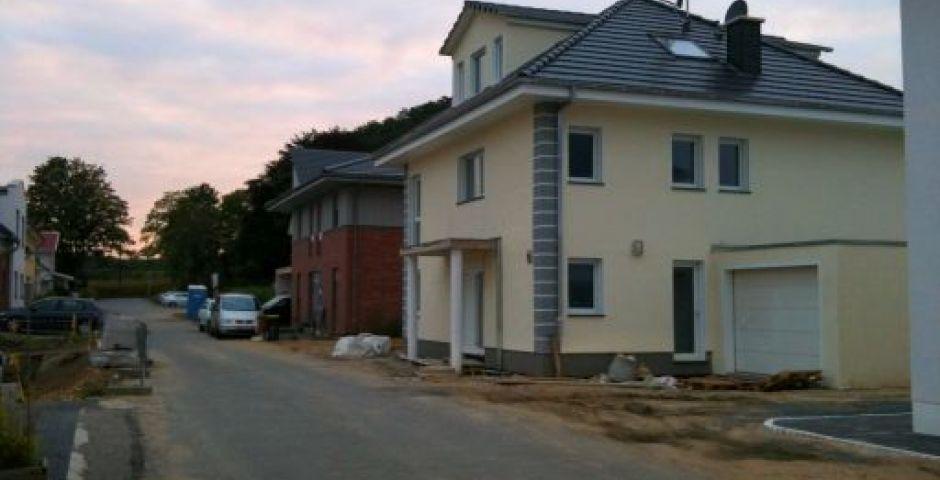 Einfamilienhaus mit Garage in Dortmund, ERRICHTUNG EINES EINFAMILIENHAUSES MIT EINER GARAGE, GUSTAV-SCHADE-WEG IN DORTMUND, BILICAN
